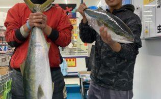 2019/01/13 谷山港 ブリ 95cm、85cm